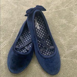 Oshkosh size 2 shoes
